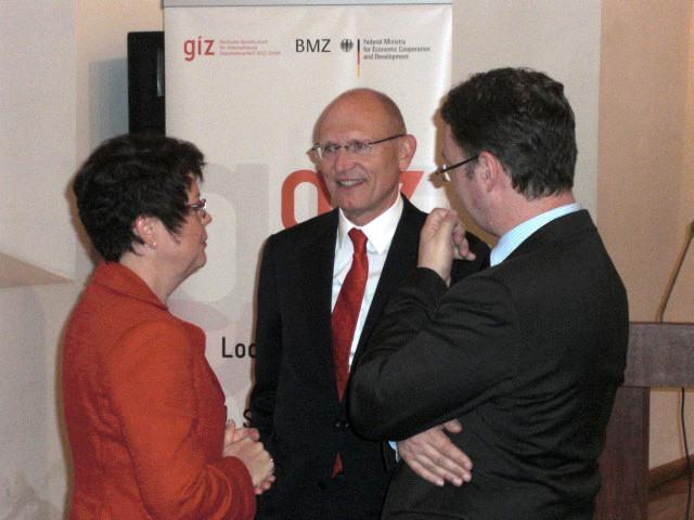 Mit den deutschen Botschafter Herbert Quelle und Henning Twesten, GIZ-Chef in Baku