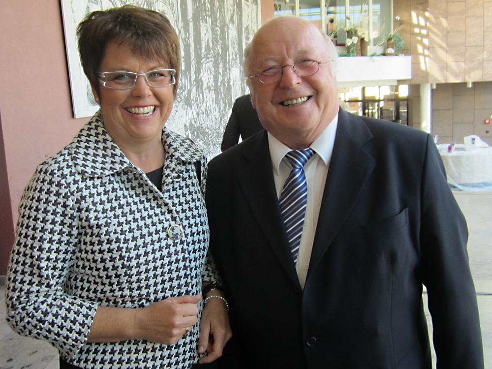 Dorothea Maisch mit Norbert Blüm am Tag der Deutschen Einheit in Rastatt